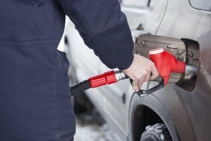 Petrol bowser filling car e1556173592905 2