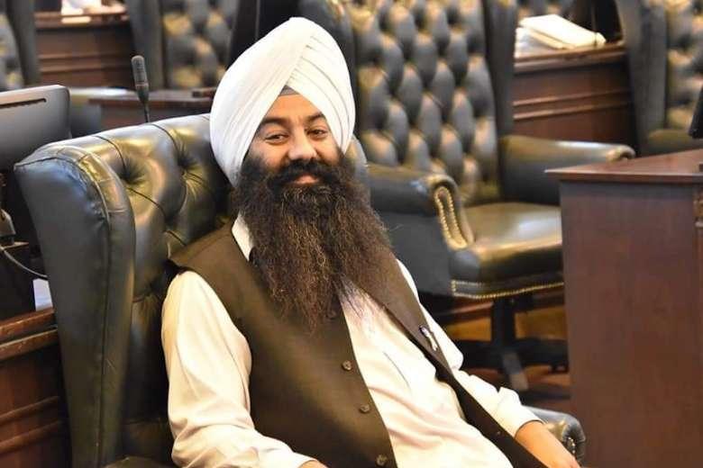 pakistan gets its first sikh senator 6045f987cd654 600 3